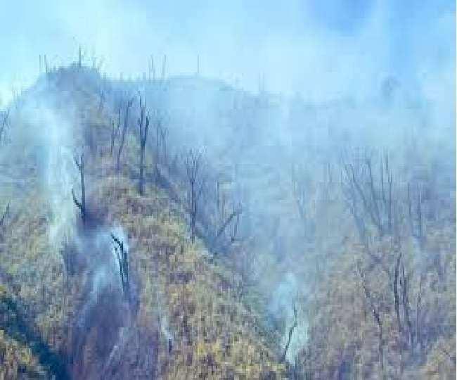 मणिपुर- नागालैंड सीमा : दजुको रेंज की आग को बुझाने के लिए 3 और हेलीकॉप्टर लगाए गए