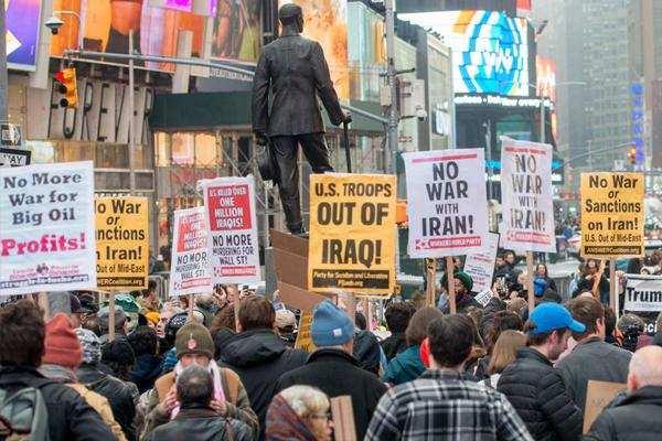 युद्ध-विरोधी रैली न्यूयॉर्क में, अमेरिका-इराक से कई देशों ने की संयम बरतने की अपील