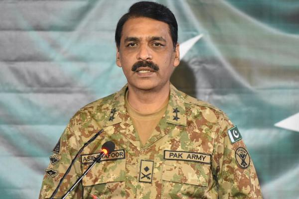 पाकिस्तानी सेना ने इमरान सरकार के साथ मतभेद की चर्चाओं पर दिया यह स्पष्टीकरण