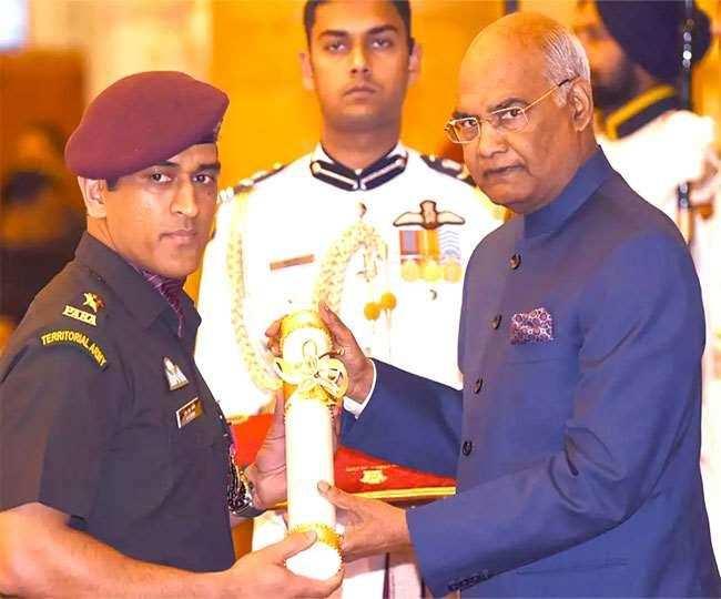 झारखंड : 195 लोगों को अब तक मिला पद्म पुरस्कार, लोगों की मांग- धौनी को मिले भारत रत्न