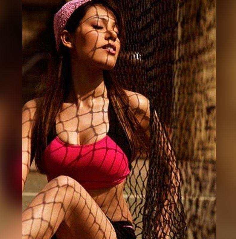 Munmun Dutta Sexy Video: तारक मेहता की 'बबीता' जी के सेक्सी और बोल्ड Video को देख फैंस के छूटे पसीने, बेहद हाॅट तस्वीरों  ने उड़ाये होश !