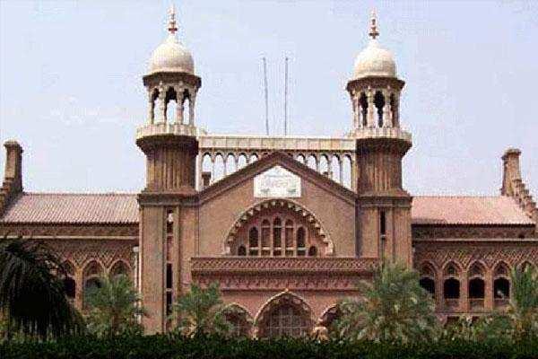 राजद्रोह का मुशर्रफ पर केश, पाकिस्तान सरकार को लाहौर हाईकोर्ट ने जारी किया नोटिस