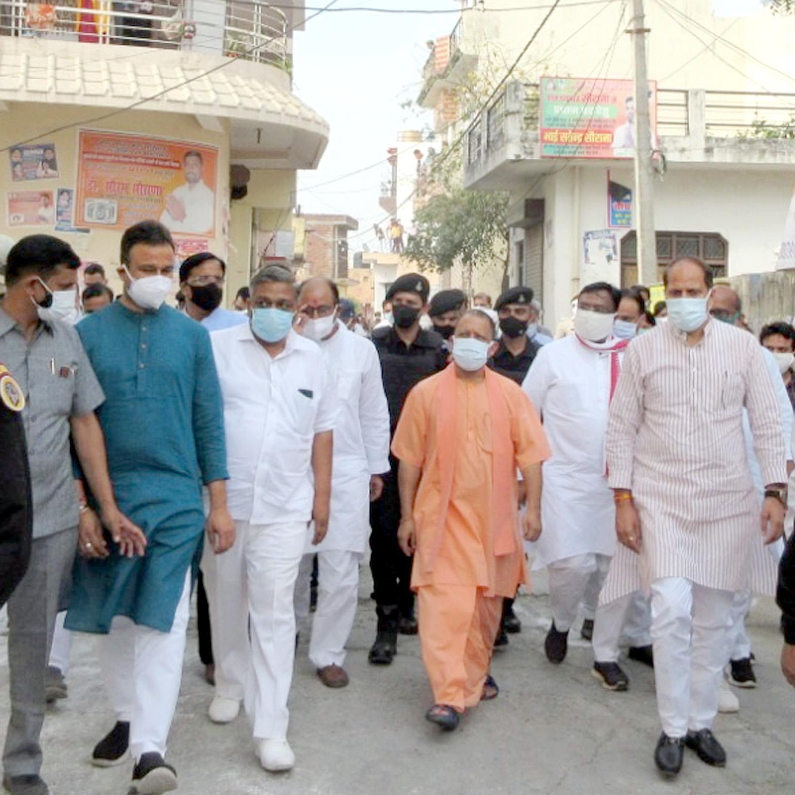 मुख्यमंत्री ने सहारनपुर मण्डल में कोरोना संक्रमण से बचाव और उपचार के लिए किए जा रहे कार्यों की समीक्षा की