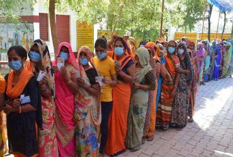 महिला समूहों की नौ महिला सदस्यों ने प्रधान पद का जीता चुनाव , 12 महिलाएं बीडीसी चुनाव जीतीं