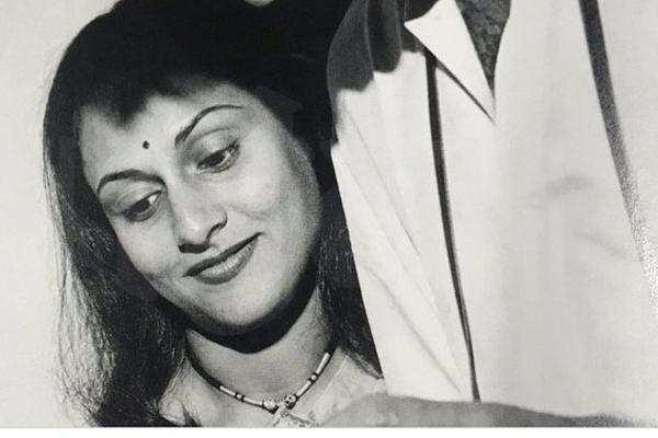अमिताभ तीन दिन से भर्ती हैं अस्पताल में, करवा चौथ पर पोस्ट की जया की यह फोटो