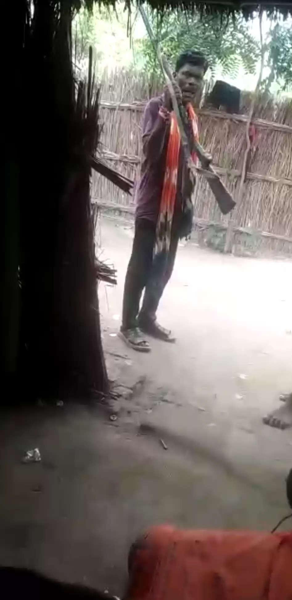 अवैध असलहा दिखाकर रौब गाठने वाला गिरफ्तार,धमकाने का वीडियो हुआ था वायरल