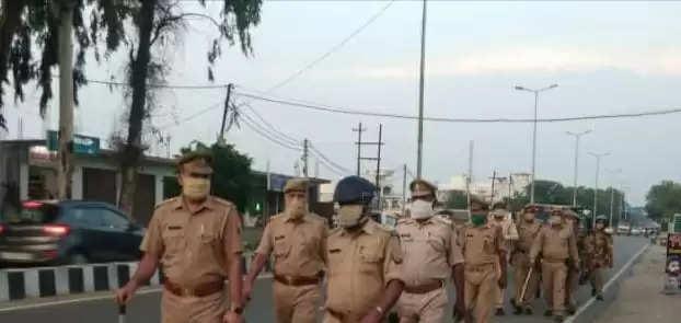 UP NEWS : त्योहारों के मद्देनजर पुलिस गस्त हुई तेज