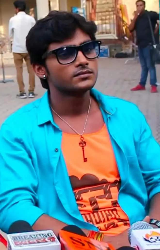 एक साथ तीन भोजपुरी फिल्मों का होगा शुभ मुहूर्त अयोध्या के :-सुपरस्टार अवनीश दुबे देव