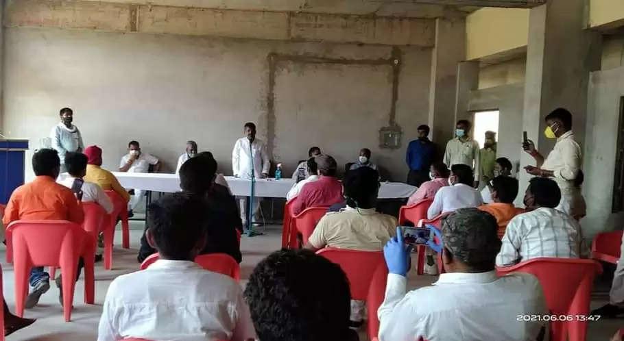 विधानसभा क्षेत्र के ग्रामीणांचल व नगरीय क्षेत्र के लोगों की सेवा करने वाले चिकित्सकों सम्मानित किया