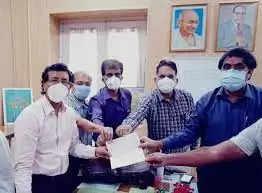 Kanpur : जेके ग्रुप ने ऑक्सीजन प्लांट के लिए हैलेट अस्पताल में1करोड़ 46 लाख का सौपा चेक