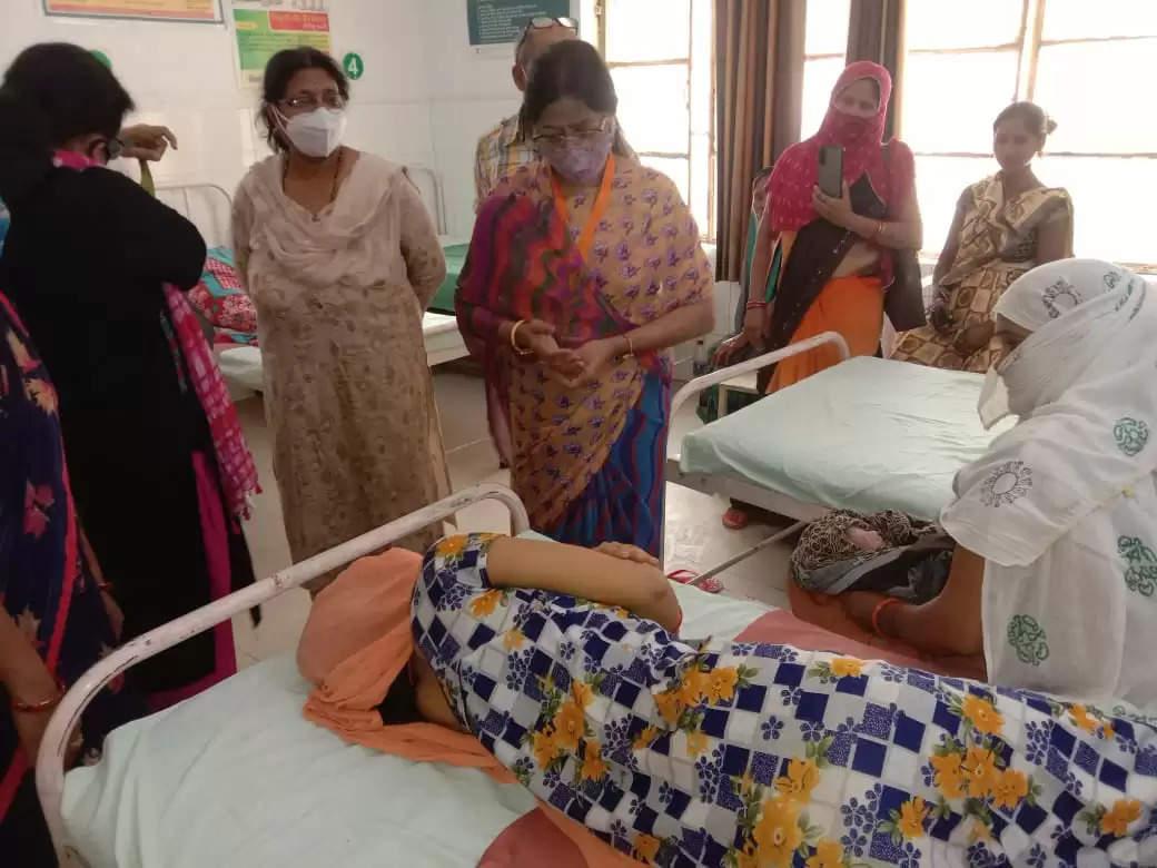 राज्य महिला आयोग की सदस्य ने किया चिकित्सालयों का निरीक्षण, सभी महिलाएं अपना और अपने घरवालों का टीकाकरण करवाए