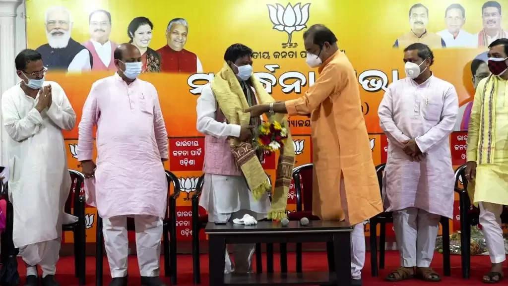 ६ दिन दौरे ओडिशा में केंद्रीय मंत्री श्री बिशेश्वर टुडू का स्वागत और बधाई