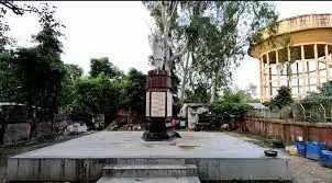 आज भी जर्जर हालत में है आजाद भारत के प्रथम राष्ट्रकवि का घर व स्मारक