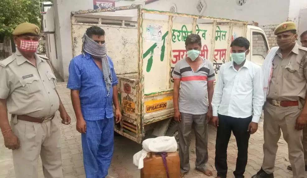 गढ़मुक्तेश्वर कोतवाल शीलेश कुमार की टीम ने तीन शातिर चोरों को किया गिरफ्तार , और चोरी का किया माल बरामद