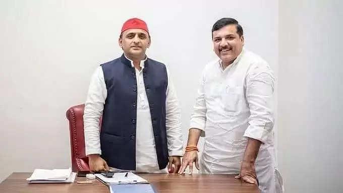 UP Assembly Election-2022 :सपा प्रमुख से संजय सिंह की मुलाकात बीजेपी के खिलाफ गठबंधन की तैयारी ?