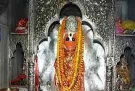 कानपुर : श्री पंचमुखी हनुमान मंदिर के महंत जितेंद्र के खिलाफ दानपात्र से चोरी और धमकी देने की रिपोर्ट दर्ज
