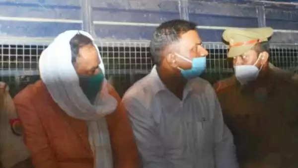 SI राहुल दुबे व कांस्टेबल प्रशांत कुमार को कैंट पुलिस ने किया गिरफ्तार