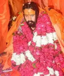 महंत का पट्टाभिषेक होने के बाद पहली बार ने उतारी लेटे हनुमान मंदिर की आरती