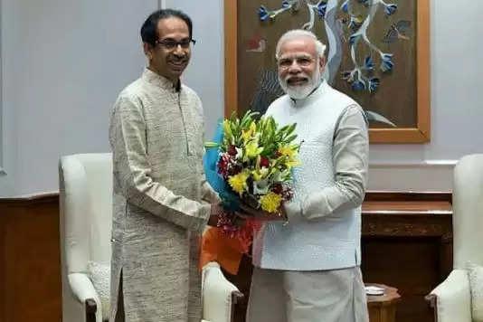 PM मोदी से मिले उद्धव ठाकरे, बोले - मराठा आरक्षण समेत कई अहम मुद्दों पर हुई बात