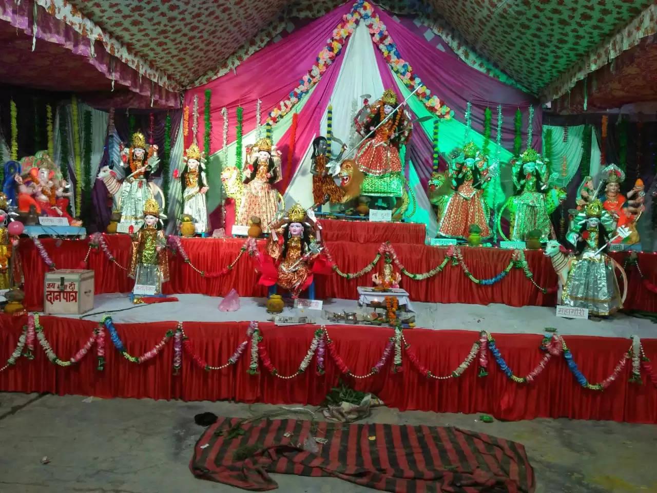 धूमधाम से हुई नवरात्रि की भव्य शुरुआात, कंचौसी में की गई नौ देवियों की स्थापना