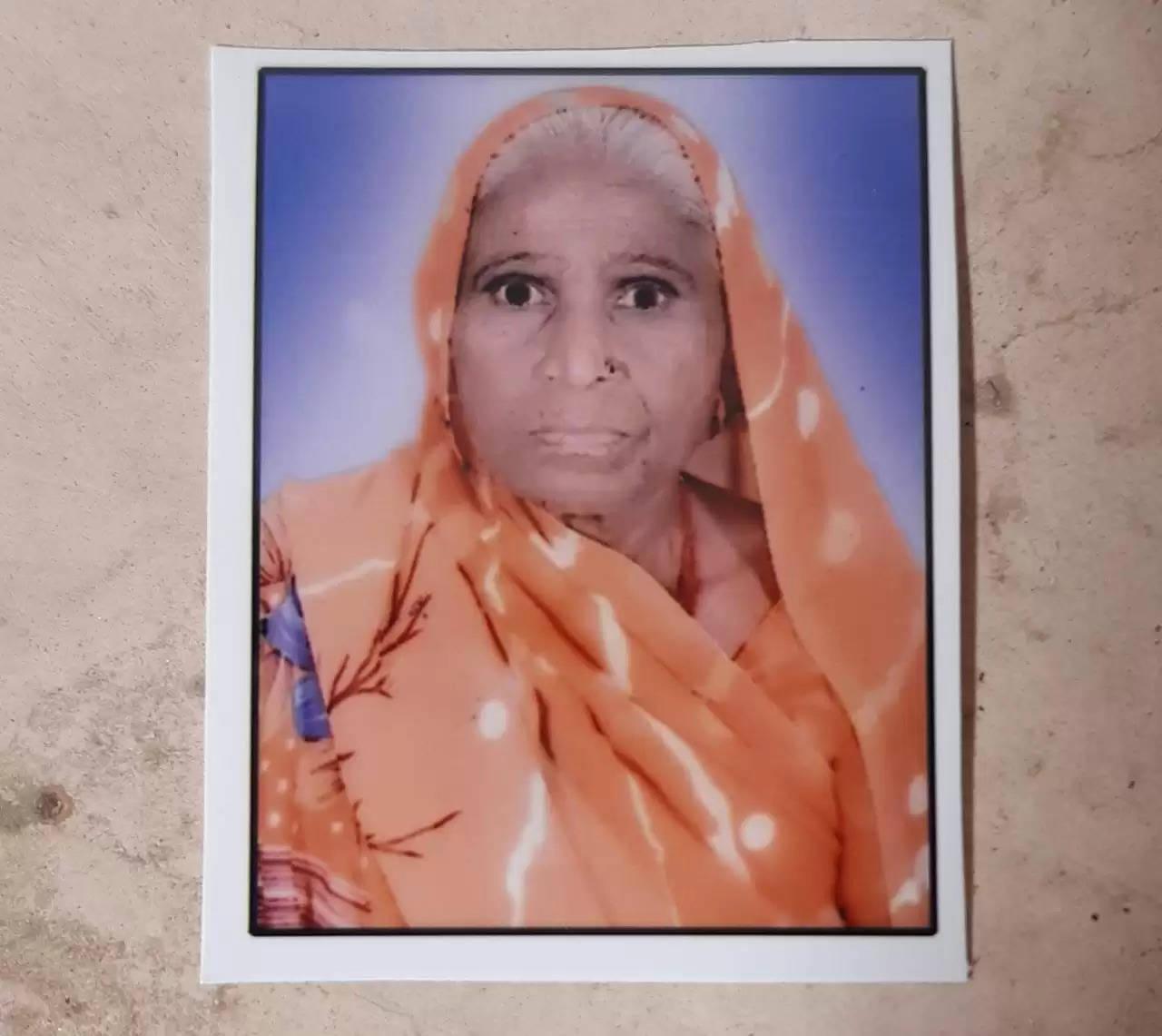 झाँसी -घटना की जानकारी पर एस एसपी शिवहरि मीणा ने खुद मौके पर पहच कर तत्काल हत्या के खुलासे आदेश दिए
