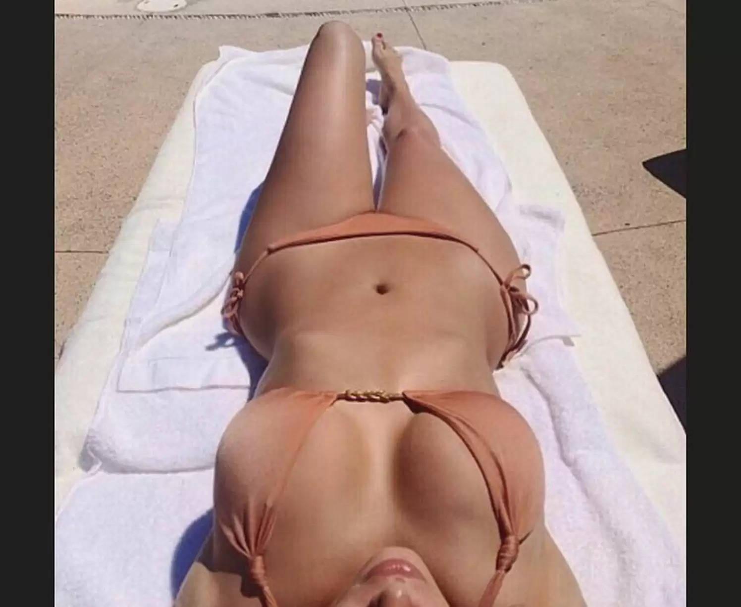 Kim Kardashian Sexy video: