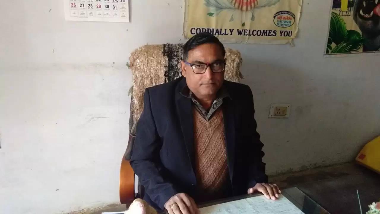 बीहडी गांवों में सरकारी योजनाओं की कमी, रोजगार न होने से नहीं रुक रहा पलायन