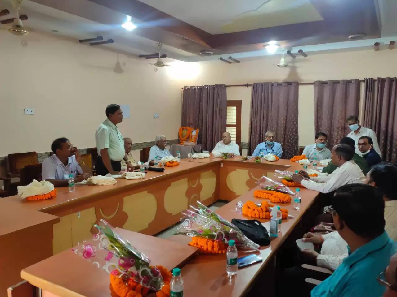 टाउन पॉलिटेक्निक एंव भारतीय स्टेट बैंक मुख्य शाखा के संयुक्त मे मनाया गया शिक्षक दिवस