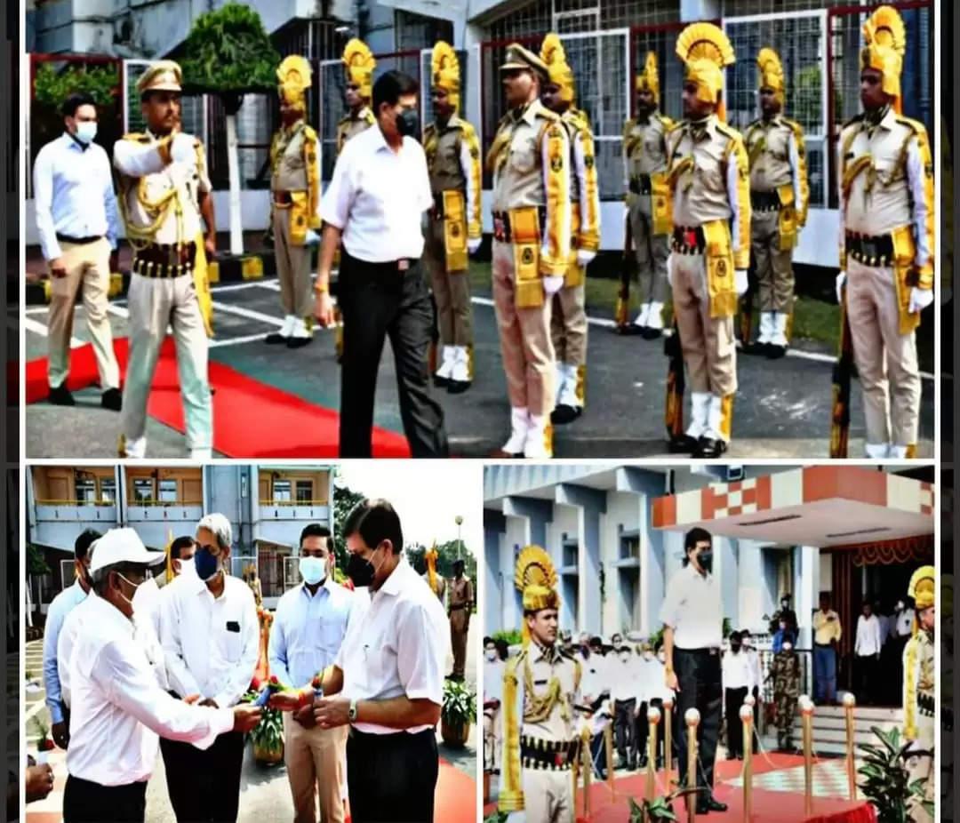 बोकारो आगमन पर इस्पात सचिव प्रदीप कुमार त्रिपाठी कोसेल के सीईओ ने पुष्प देकर किया स्वागत